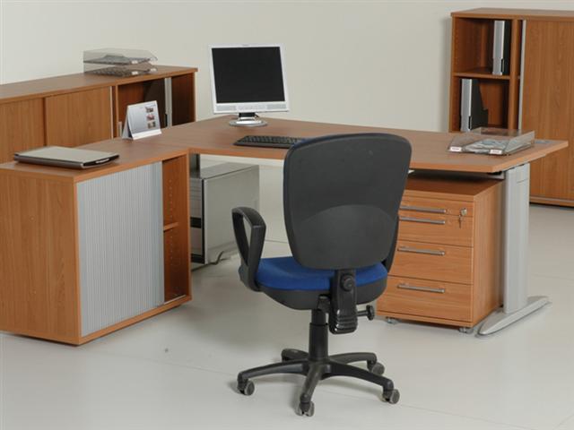c4b53de5c Kvalitné kancelárske stoly slovenskej výroby. Nastaviteľné a rohové písacie  a pracovné stoly a stolíky pod pc do kancelárie. Ponúkame Vám veľký výber  ...
